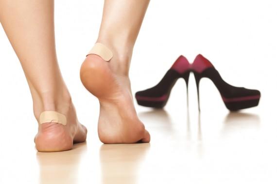 革靴で絶対靴擦れしてしまう!靴擦れの原因と予防と対処法教えます。のサムネイル画像