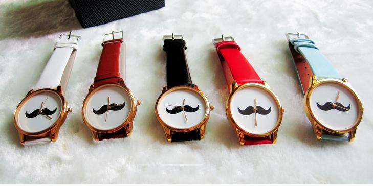 石原さとみもつけている!?おしゃれな革ベルトの腕時計を紹介♥のサムネイル画像