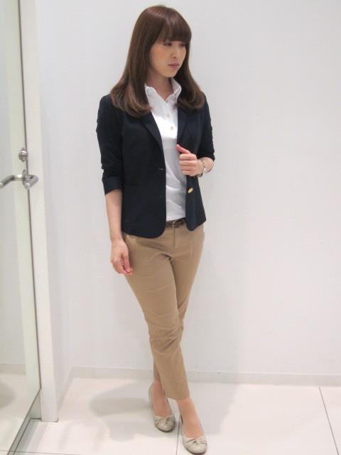 女性におすすめ!ジャケットとポロシャツのコーディネート術のサムネイル画像