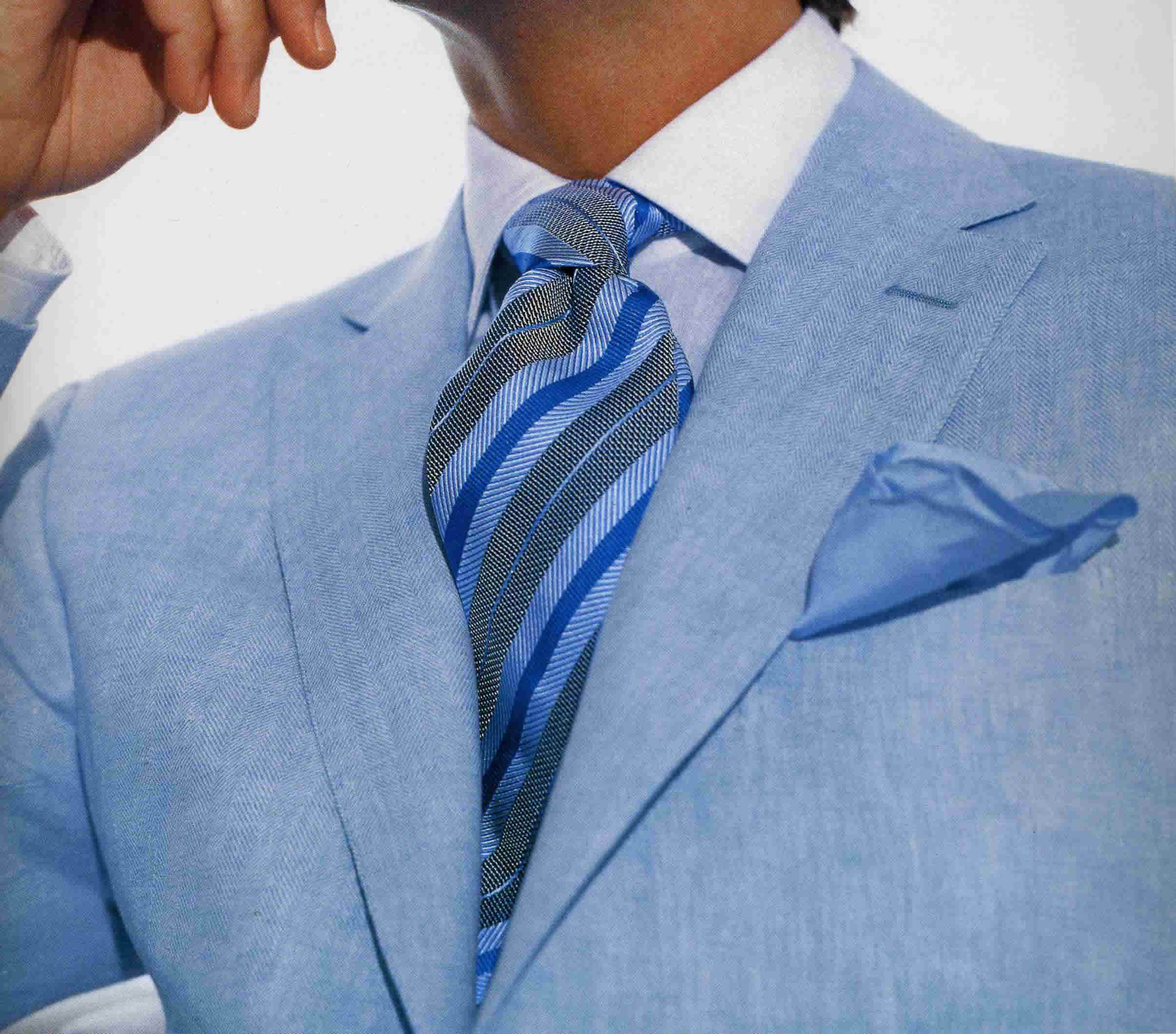 簡単!おしゃれ!色々なネクタイの締め方で明日から早速使ってみようのサムネイル画像