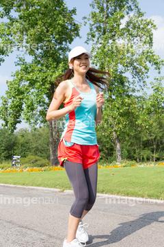 外を走る際にぜひほしい!ジョギング時のキャップのご紹介!のサムネイル画像