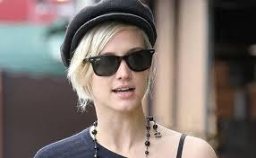必見!今人気のサングラスですがおすすめのサングラスとは?のサムネイル画像