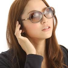 オススメのクロエのサングラスとその選び方をご紹介します!のサムネイル画像