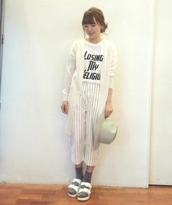 サンダルとソックスが相性が良いって知ってた?流行ファッション♡のサムネイル画像