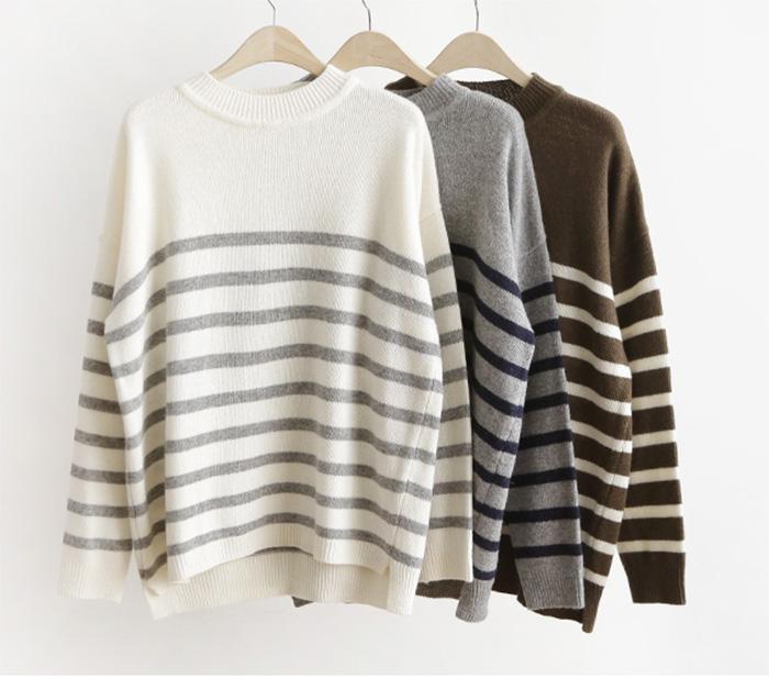 寒い季節は定番ボーダー柄のセーターであったかおしゃれコーデ!のサムネイル画像
