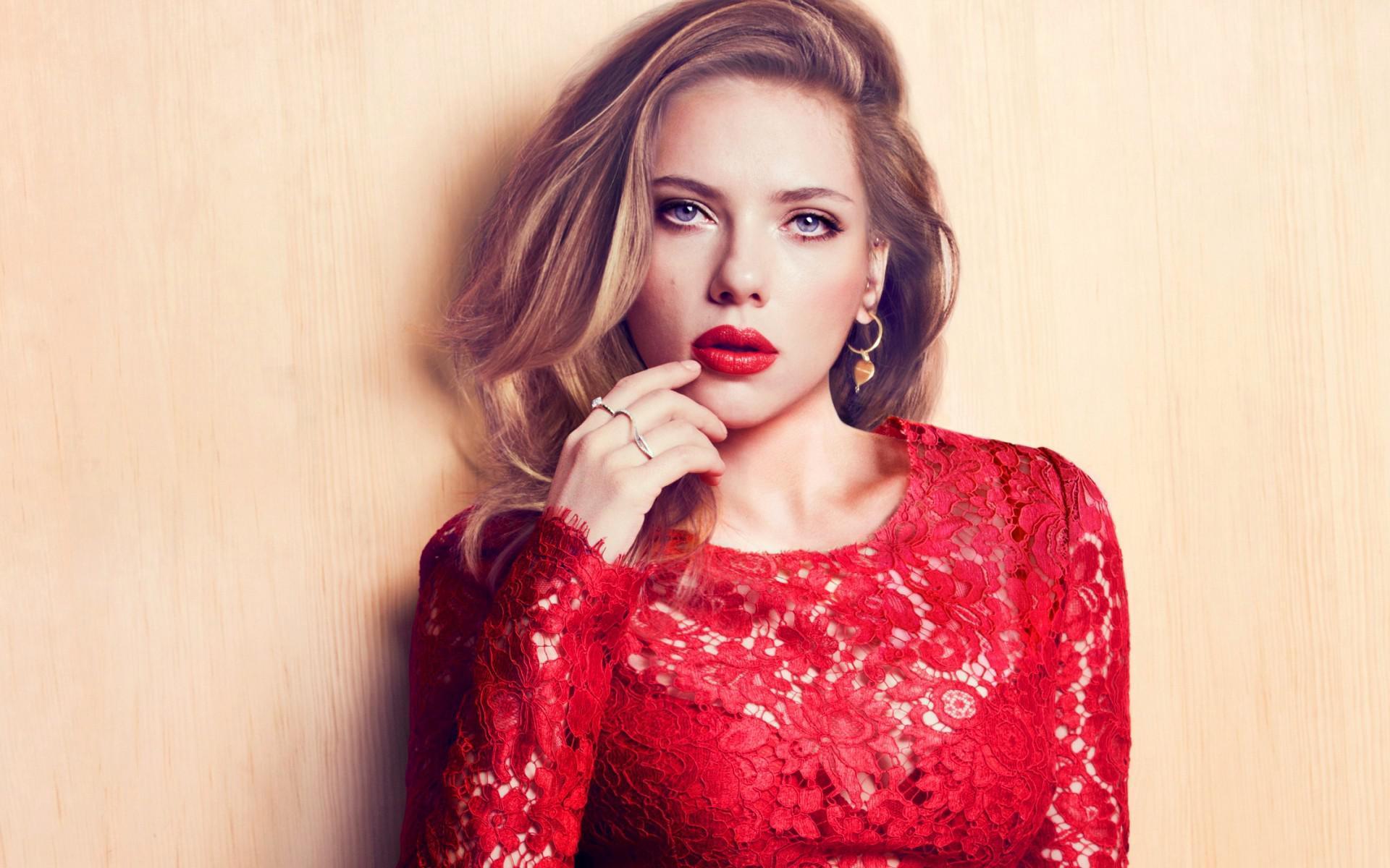 ドレスのお色直しは カラードレス『赤』が 今から流行りが来る!?のサムネイル画像
