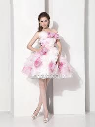 オシャレなドレスをご紹介!二次会にピッタリの大人カワイイドレス!のサムネイル画像