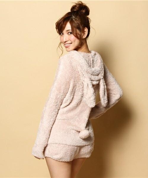 今どき皆の部屋着はどんなもの着てるの?可愛い部屋着で女子力UP!のサムネイル画像