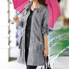 レインウェアをご紹介!オシャレな女性の雨の日対策におすすめ!のサムネイル画像