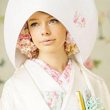 白い着物といえば憧れの花嫁衣裳&次いで人気の振袖の写真大特集のサムネイル画像
