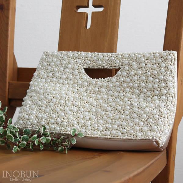 結婚式にお呼ばれしたらドレスだけでなくバッグにもこだわりたい!のサムネイル画像