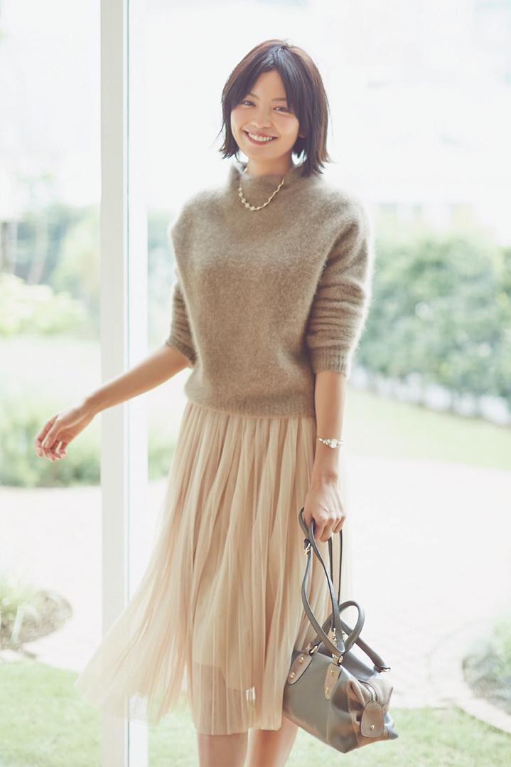 大人な服装がオフィスでもデートでも活躍できる♡コーデが素敵♡のサムネイル画像