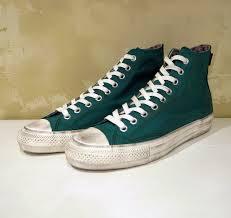 あなたは持ってる?歩きやすくてかわいい流行りのスニーカーを大特集のサムネイル画像