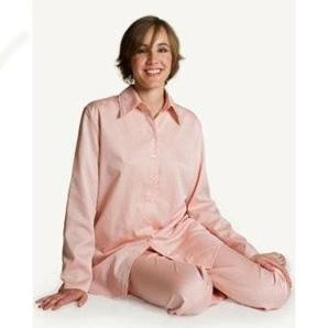 寝る時もおしゃれな格好で☆レディースに人気のパジャマは?のサムネイル画像
