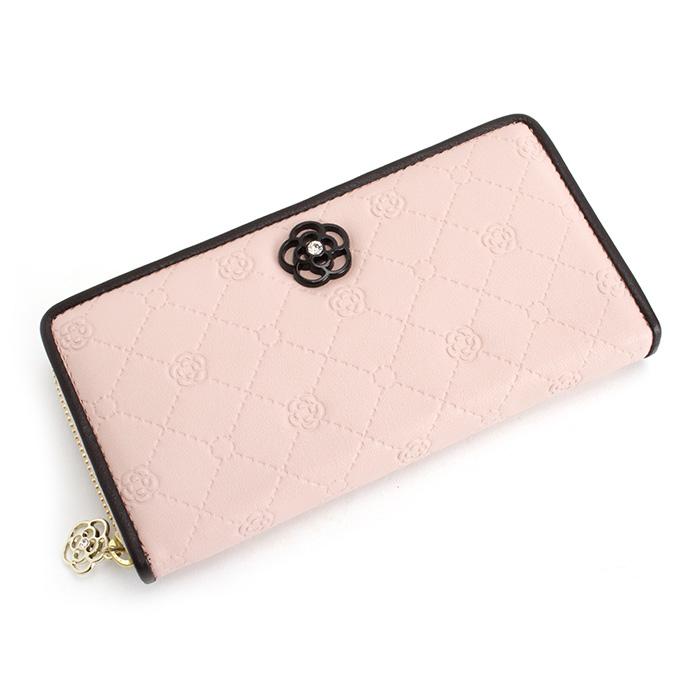 女の子らしさNo.1ブランド!クレイサスの長財布がかわいいと人気のサムネイル画像