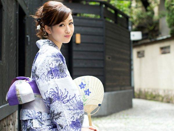 【必見】夏の必須アイテム♥おしゃれな浴衣をドドーンと紹介!!のサムネイル画像