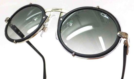 丸い形のサングラスに挑戦してみよう。顔の形と似合うサングラスのサムネイル画像