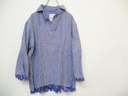 プルオーバーのシャツで、大人ベーシックコーデを極めよう!のサムネイル画像