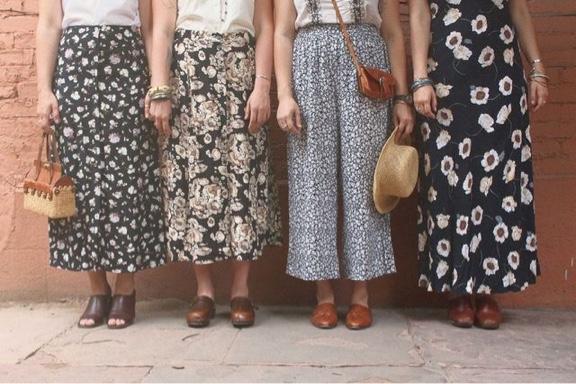 女の子の鉄板アイテム!「白のロングスカート」は1人1枚必須!のサムネイル画像