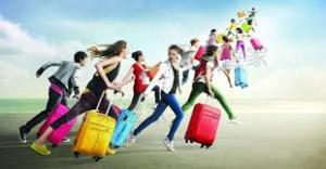 旅行へ行くことになったら服装を考えたい!どんな服装で行く?のサムネイル画像
