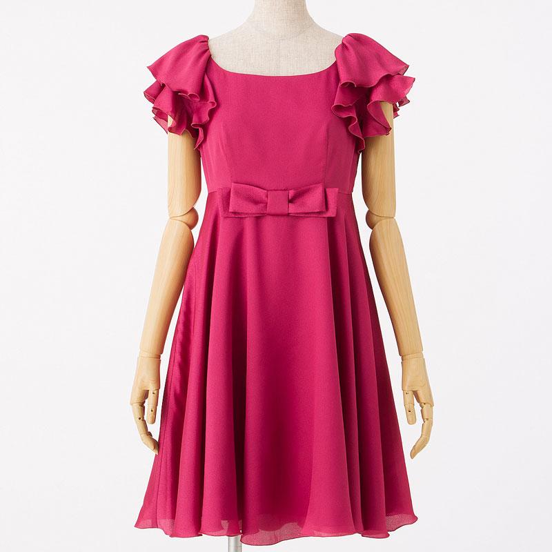 パーティードレスはやっぱり優しい雰囲気のあるピンクが一番♡のサムネイル画像