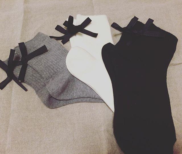 この冬大活躍!タイツと靴下でいつものコーデをグッとおしゃれに♡のサムネイル画像