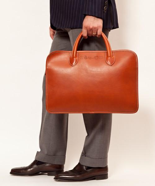 普段の仕事に使いたくなる!おしゃれなビジネスバッグを紹介します☆のサムネイル画像