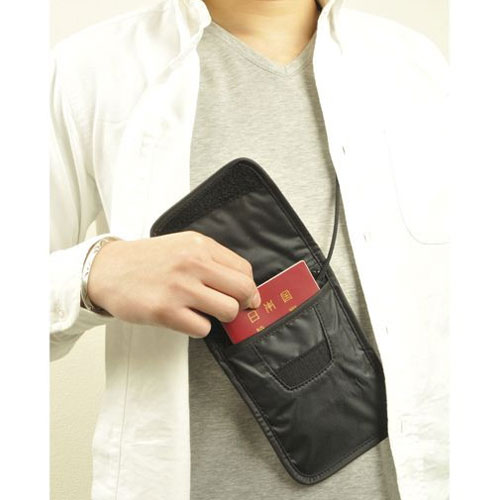 どんなデザインが人気?旅行用のショルダーバッグをご紹介☆のサムネイル画像