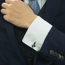 カフスボタンをご紹介!結婚式などのフォーマルコーデにおすすめ!のサムネイル画像