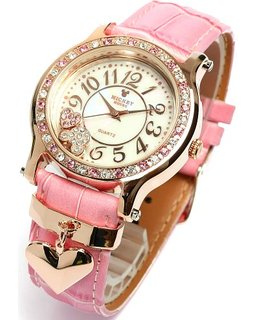 普段使う時計も置時計もかわいいデザインやかわいいフォルムで♪のサムネイル画像