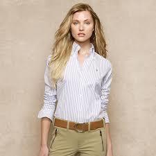 レディースワイシャツをご紹介!襟元の形がとってもおしゃれ!のサムネイル画像