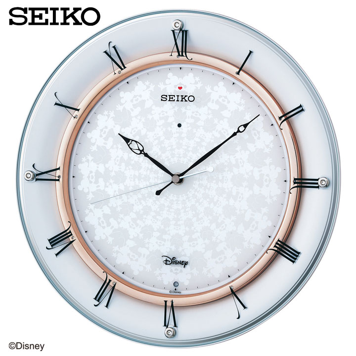 おしゃれな電波時計をファッションコーデやインテリアにとり込んで!のサムネイル画像