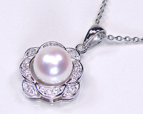 真珠のペンダントを購入するならここ!値段も安くて素敵♡♡のサムネイル画像