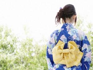 どんなデザインが人気?レディースのおしゃれな浴衣をご紹介☆のサムネイル画像