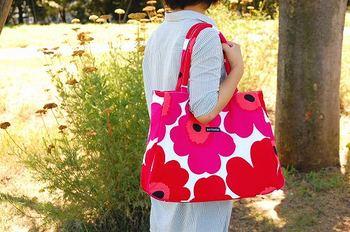 マザーズバッグは【マリメッコ】が人気!おすすめバッグとコーデ特集のサムネイル画像