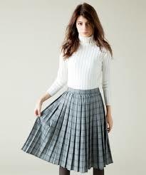 プリーツスカートをご紹介!大人カジュアルにはチェック柄がおすすめのサムネイル画像