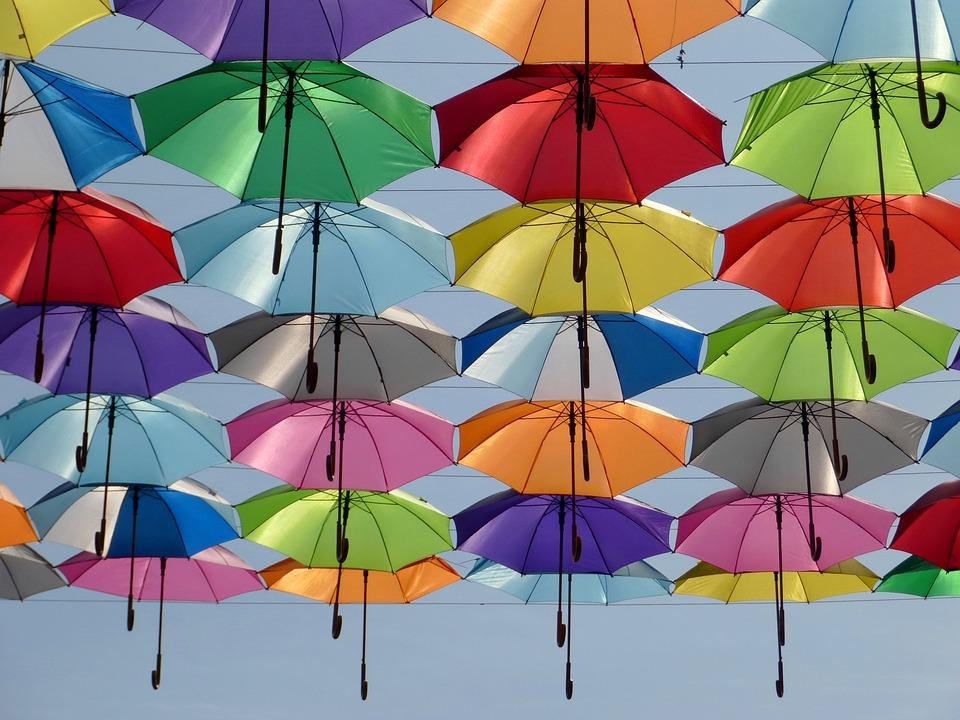 折り紙で「傘」を折ろう!~簡単なものから職人の域まで3種類~のサムネイル画像