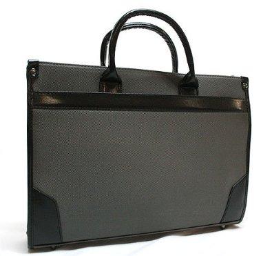 a4サイズが入る便利なバッグ!おしゃれなバッグを見つけてみよう☆のサムネイル画像