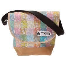 outdoorのショルダーバッグをご紹介!おしゃれで収納力抜群!のサムネイル画像