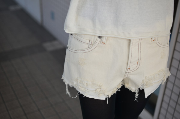 可愛いも色っぽいも全部おまかせ!白ショーパンでつくる春夏コーデ♡のサムネイル画像