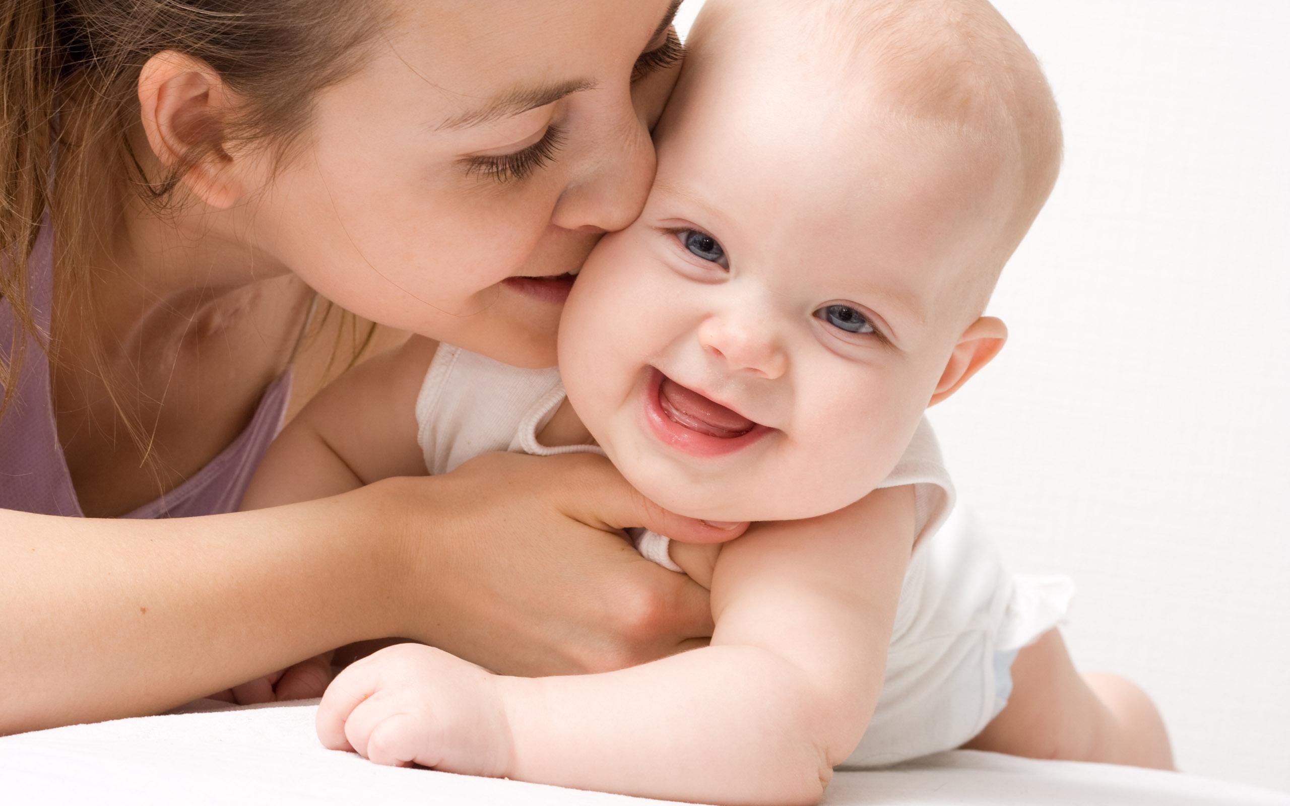 ママ必見です☆おしゃれなマタニティーグッズを紹介します☆のサムネイル画像