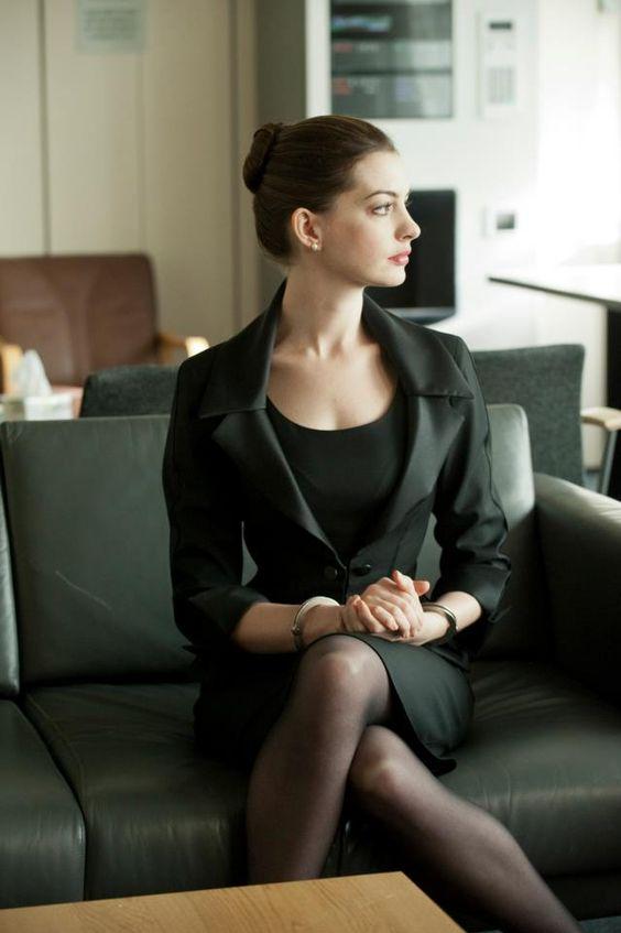 【スーツ女子必見】日頃使えるスーツコーデ!お仕事中も女子力UP♡のサムネイル画像