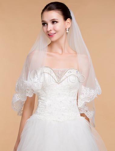 一生に一度の結婚式☆ウェディングドレスの小物もこだわりたい!のサムネイル画像