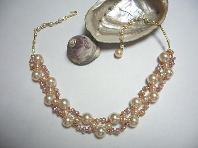 自分だけのお気に入りのハンドメイドネックレスを見つけようのサムネイル画像