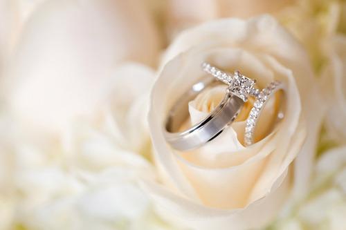 【婚約指輪の人気ブランド】ふたりの永遠の愛の絆を左手薬指に♡のサムネイル画像