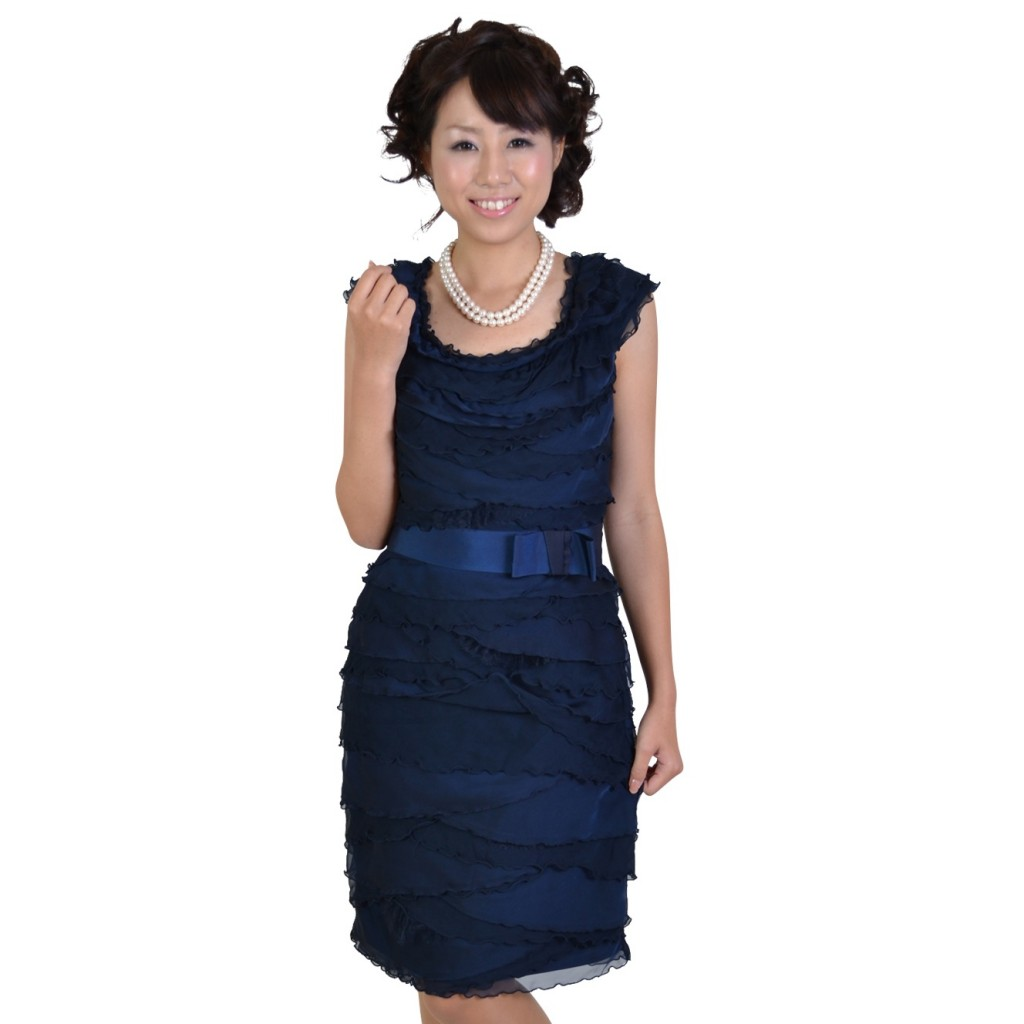 披露宴に参列するときにぴったりのおしゃれな服装をご紹介☆のサムネイル画像