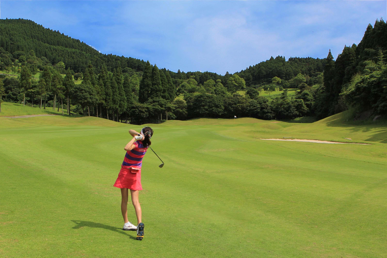 アウトレットでかわいいゴルフウェアをお得にゲットしちゃおう!のサムネイル画像