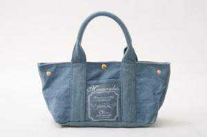 シンプルで使い勝手の良いデニムバッグでコーディネートしよう♡のサムネイル画像