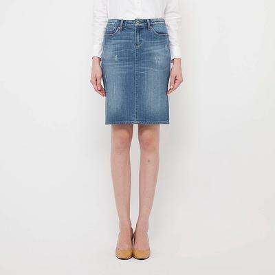 ユニクロのデニムスカートで作れる!大人のいい女コーデ術!のサムネイル画像