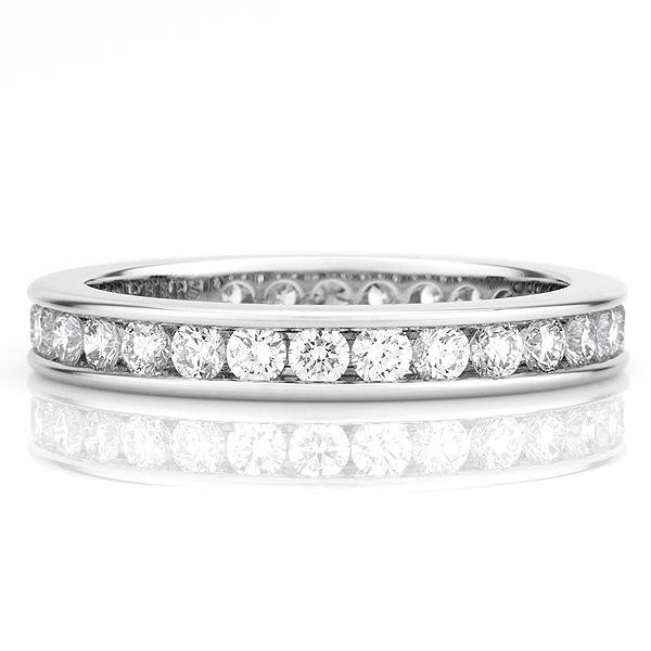 永遠の愛の象徴『ダイヤモンド』。ダイヤの結婚指輪で二人は永遠に❤のサムネイル画像